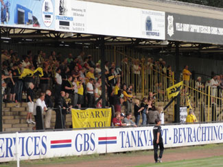 Berchems Yellow Army On Tour