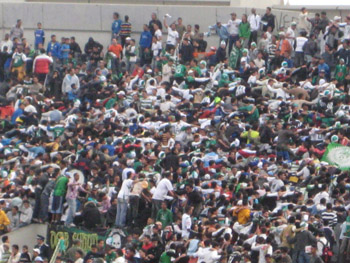Gegengerade im Stade Mohamed V in Casablanca
